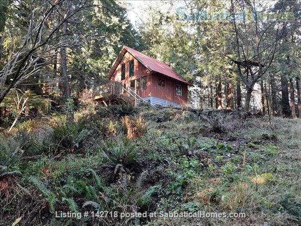 SabbaticalHomes.com Listing #142718. Cozy Cabin on the Gulf Islands of British Columbia, Canada.