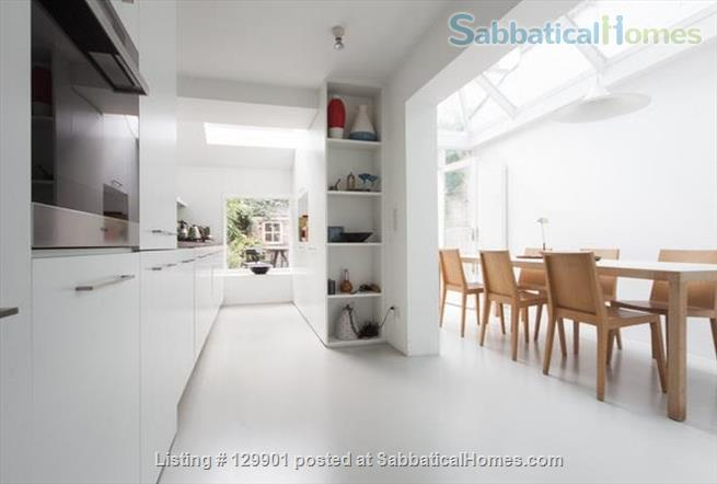 SabbaticalHomes.com Listing #129901 house for rent for a summer vacation in London, England.