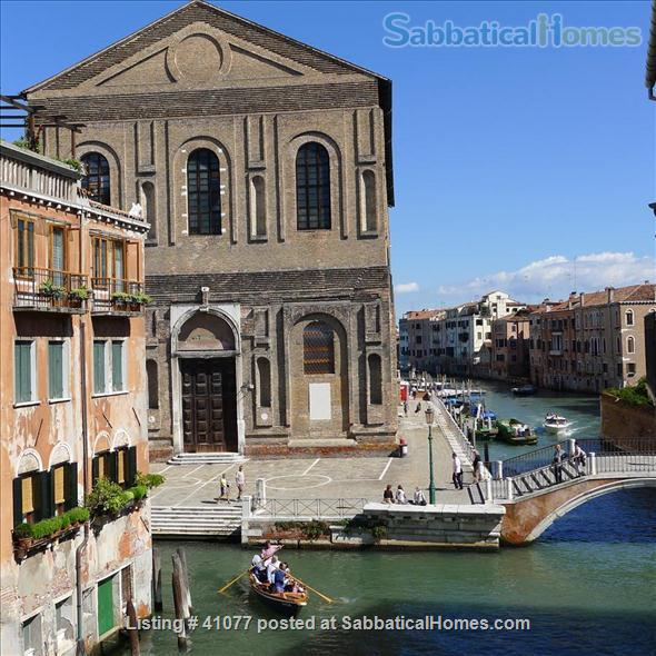 SabbaticalHomes.com Listing #41077 apartment for rent for a summer vacation in Venice Italy.