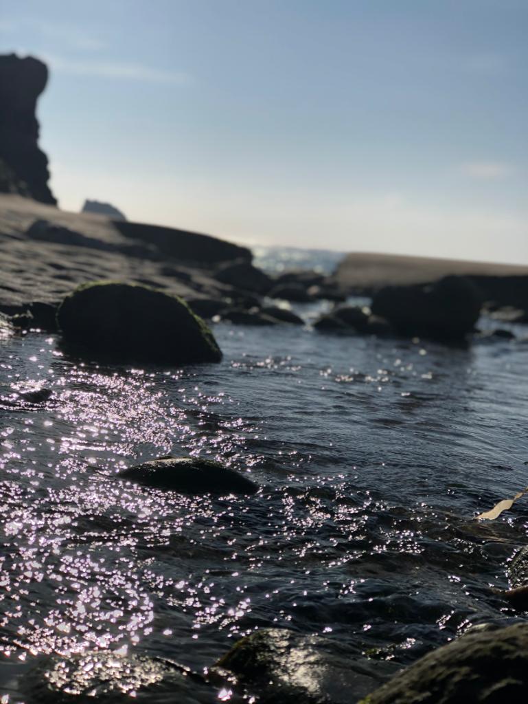 Big Sur coastline on a calm and sunny day.